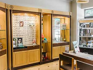 downtown glasses store